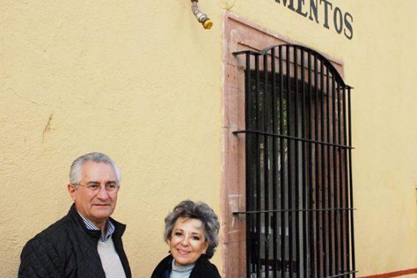 Visita De La Presidenta Del ICOMOS A La Junta De Monumentos